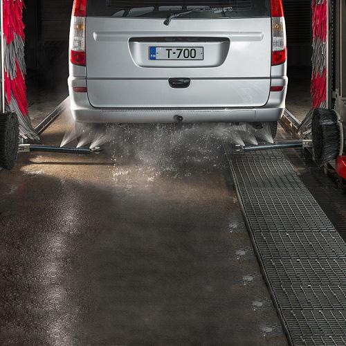 زیر شویی اتومبیل در کارواش اتوماتیک