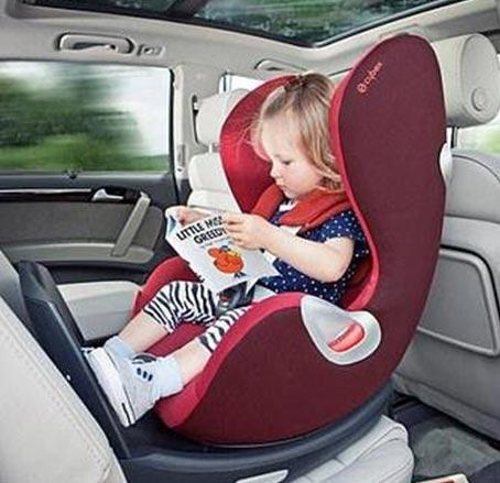 چطوری صندلی کودک را بشوریم