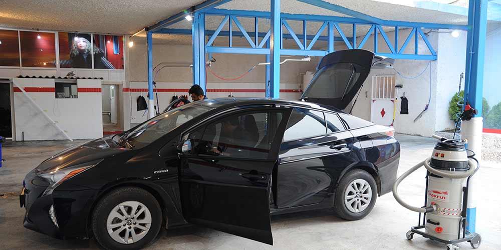 نظافت داخلی خودرو کارواش پاکران نوشهر